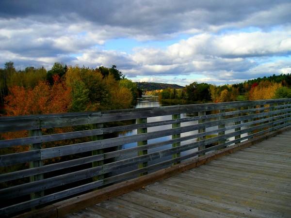 Marysville trail bridge in the autumn.