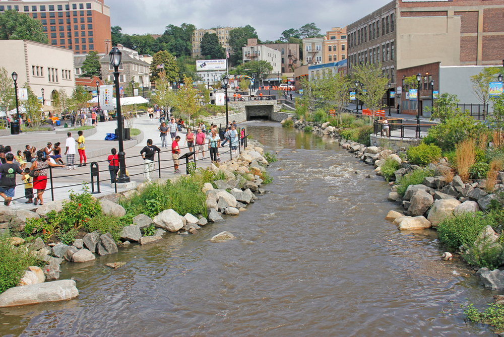 Daylighted Saw Mill River in Downtown Yonkers, NY. Photo Ses7