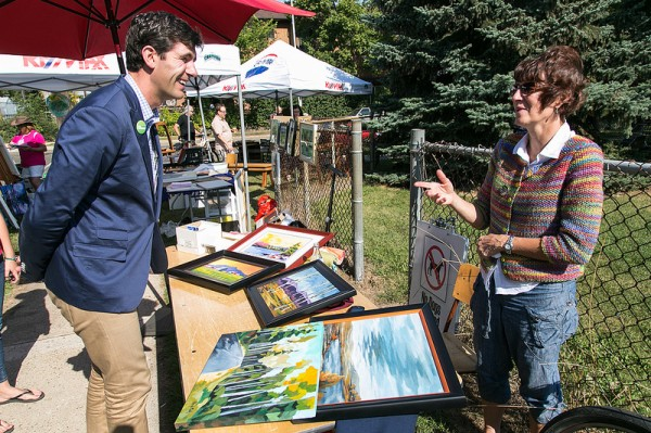 Checking out the artists at the Strathearn Art Walk.