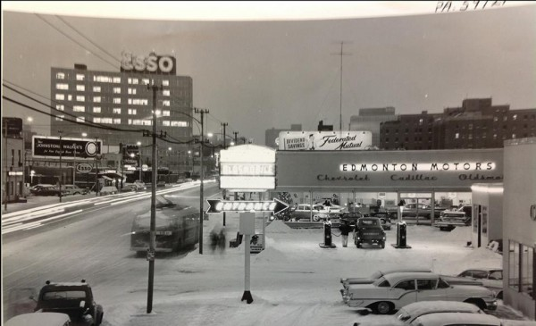 Edmonton Motors on Jasper Avenue. Provincial Archives.