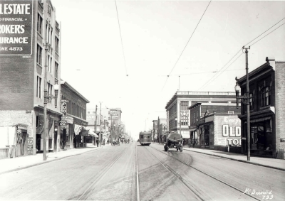 Namayo Avenue (97 Street) looking north, 1914.