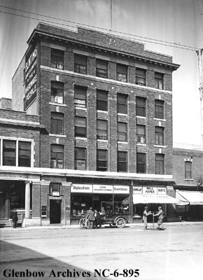 Muttart Block, 1914. Photo credit: Glenbow Archives.