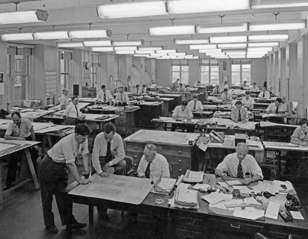 Les ingénieurs et designers à l'œuvre, 1949, Fonds Dominion Bridge Company, Bibliothèque et Archives Canada.