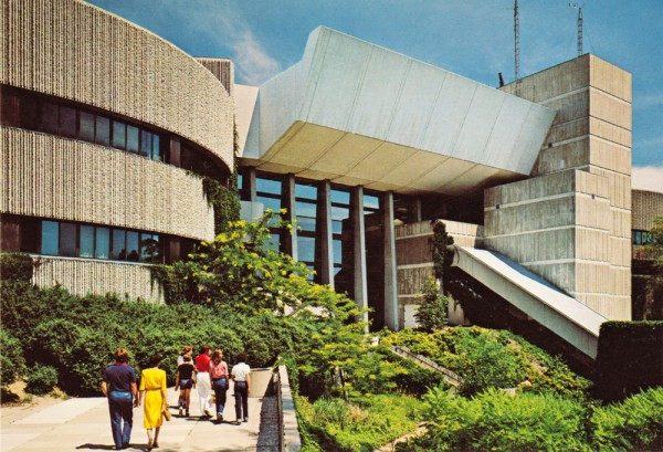 MOD-ontario-science-centre-2-mr