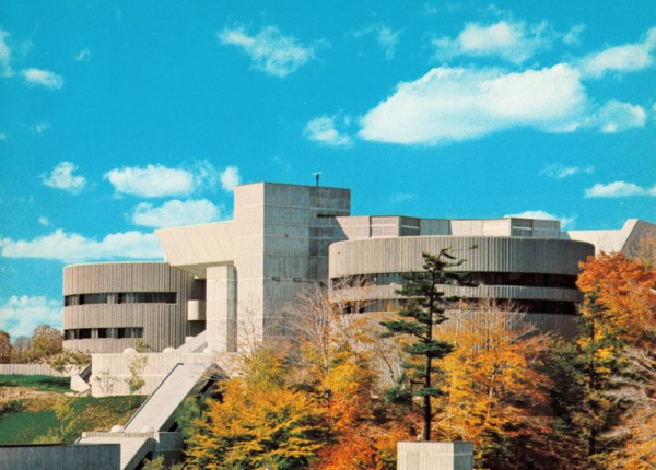MOD-ontario-science-centre-3-mr