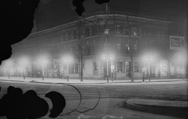 Queen-&-Spadina-Bank-of-Hamilton-1922ish---ARCHIVES
