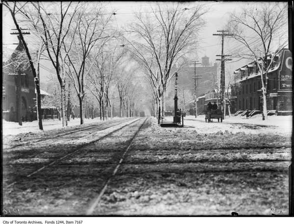 Spadina-S-from-Queen-&-Spadina---Feb-1914---ARCHIVES
