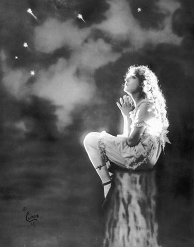 Mary-Pickford-by-Nelson-Evans-02