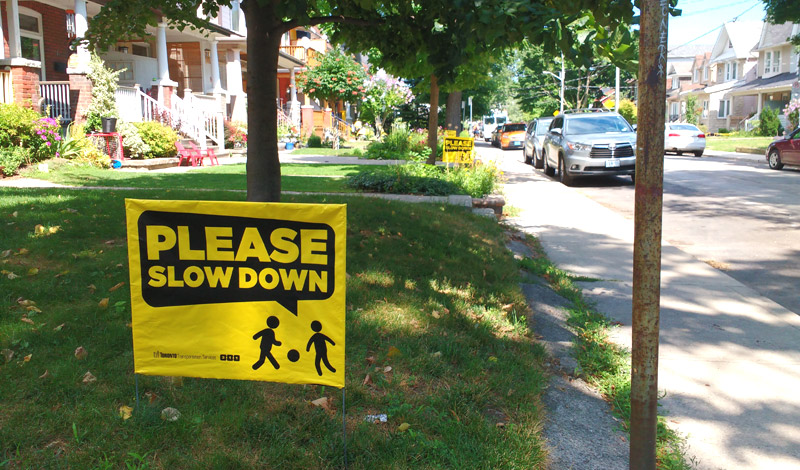 Do Quot Slow Down Quot Lawn Signs Actually Work Spacing Toronto
