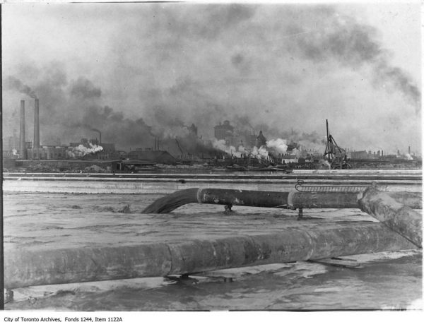 Toronto skyline, 1912, with industry at forefront