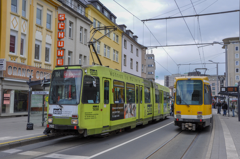 Two M-type trams in the centre of Mülheim an der Ruhr