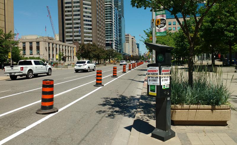 Bike lane and parking markings on University