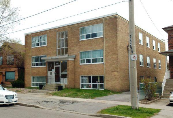 Mid-block apartment building