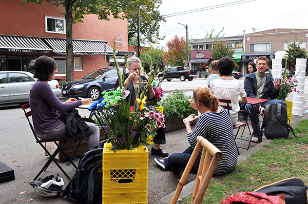 The act of reuse of public parking spaces increases the vitality of neighbourhood streets, even if temporarily. Image: Kathleen Corey