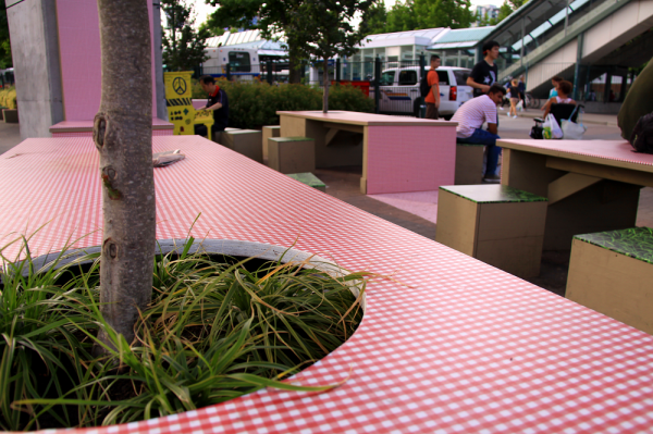 Tree in the table of the pop-up park